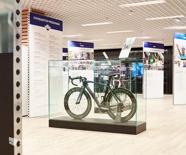 QUICK-STEP POP-UP @ Ring Shopping Kortrijk (BE) - Foto 2