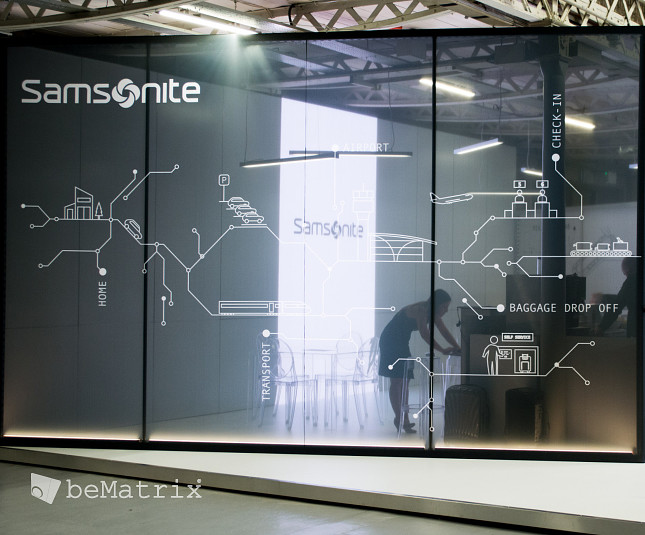 LEDskin® integrated in Samsonite stand @ FTE Dublin - Foto 3