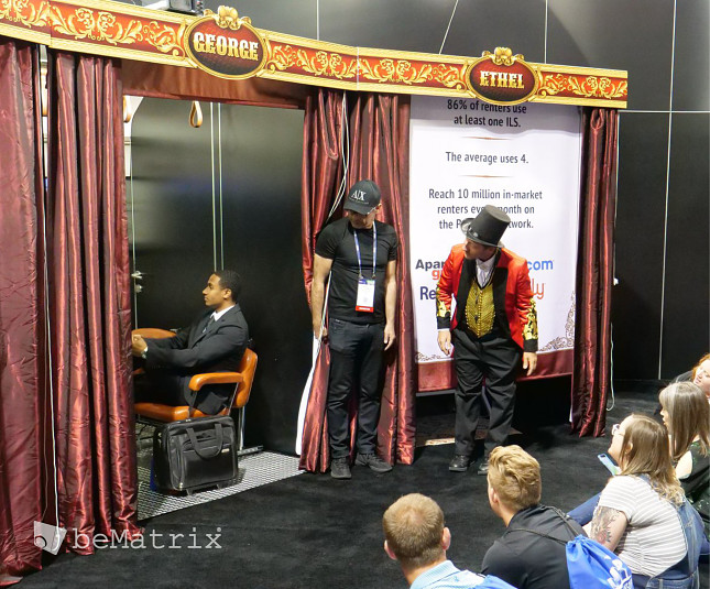 RentPath tantalizes with multi-sensory experience at NAA 2019 - Foto 3