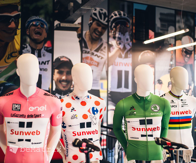SUNWEB EXPERIENCE CENTER - Foto 3
